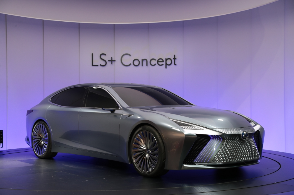 "LEXUS LS+ CONCEPT - Equipped with state-of-the-art technology, indicates the future image of the ""LS"" flagship sedan. With its advanced and dignified styling and automated driving technologies planned for application in 2020, the LS+ Concept was developed as a model that symbolises Lexus' foresight."