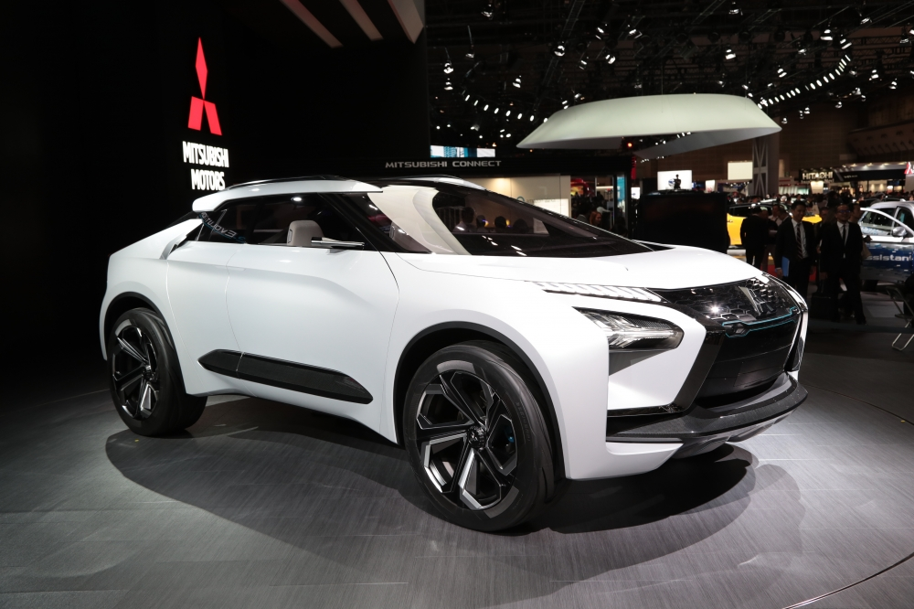 MITSUBISHI e-EVOLUTION CONCEPT is a high-performanceall-electric crossover SUV. It features major advances in EV technology and the all-wheel control technology acquired through SUV development. Design inspiration was likely to have been drawn from a child's toy - a seamless addition to a Hot Wheels set.
